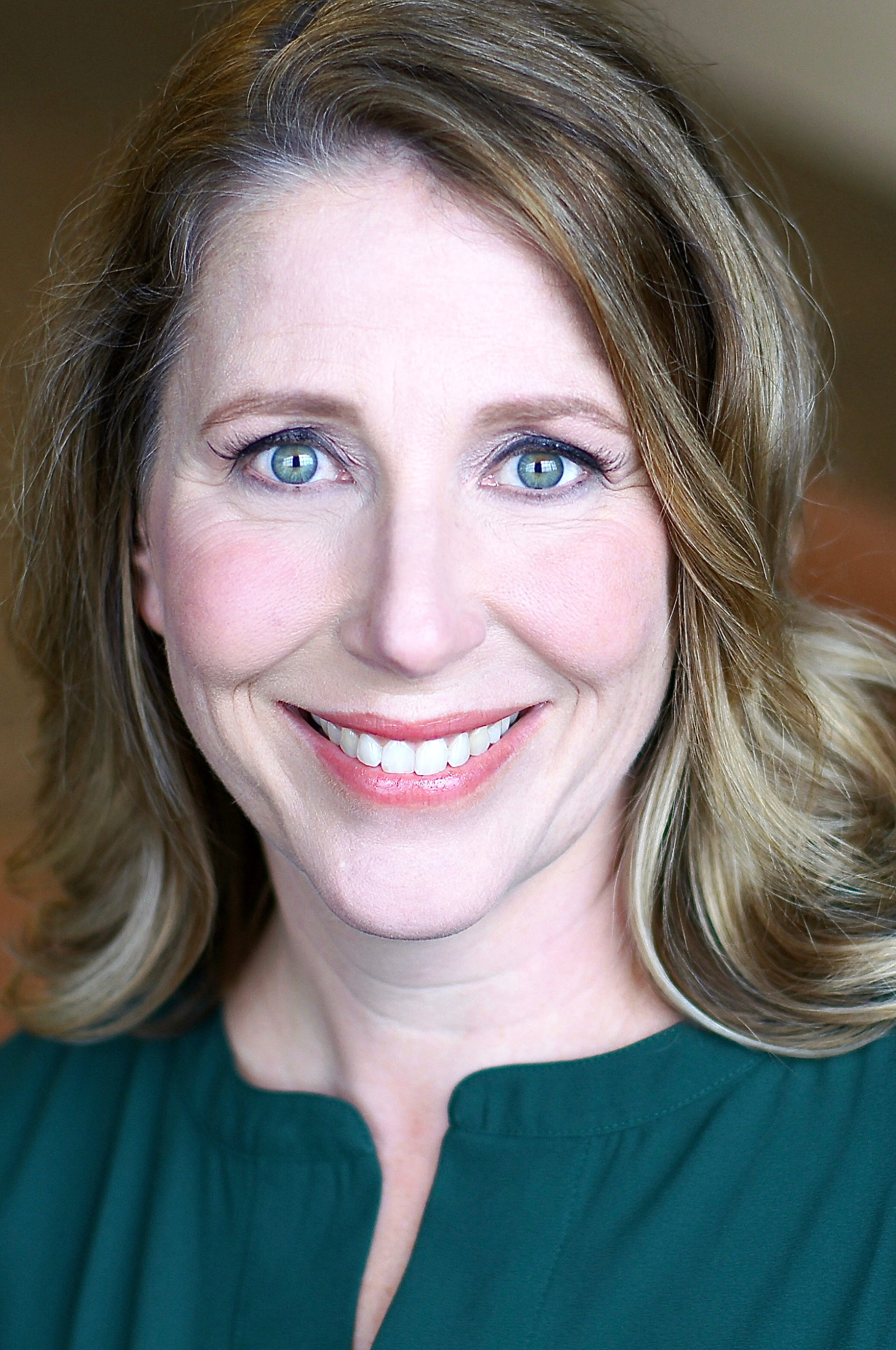 Laurie Flanigan Hegge headshot